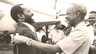 1978 Nyerere and Samora in Dar-es-Salaam Airport